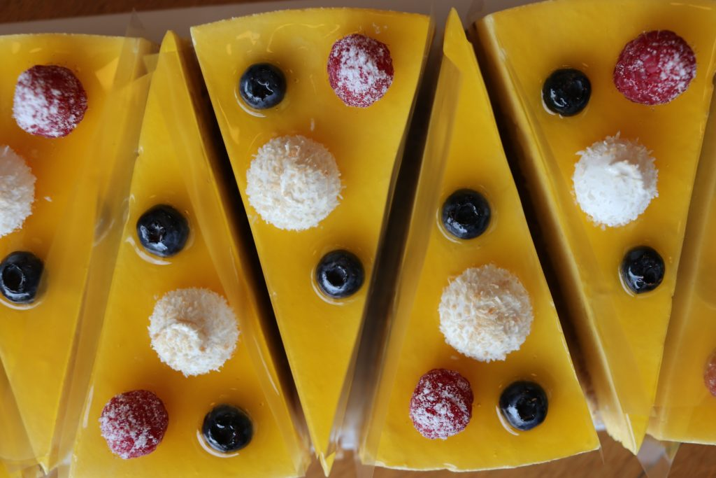 Mango-Mousse Torte